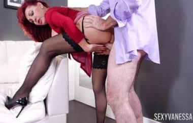 Sexy Vanessa – Schwanz zum Nachtisch (PornstarPlatinium)